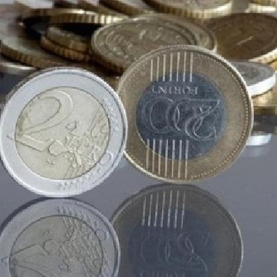 A nettó bér sokkal kisebb részét viszi el a hiteltörlesztés