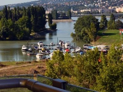 Duna Terasz Lakópark